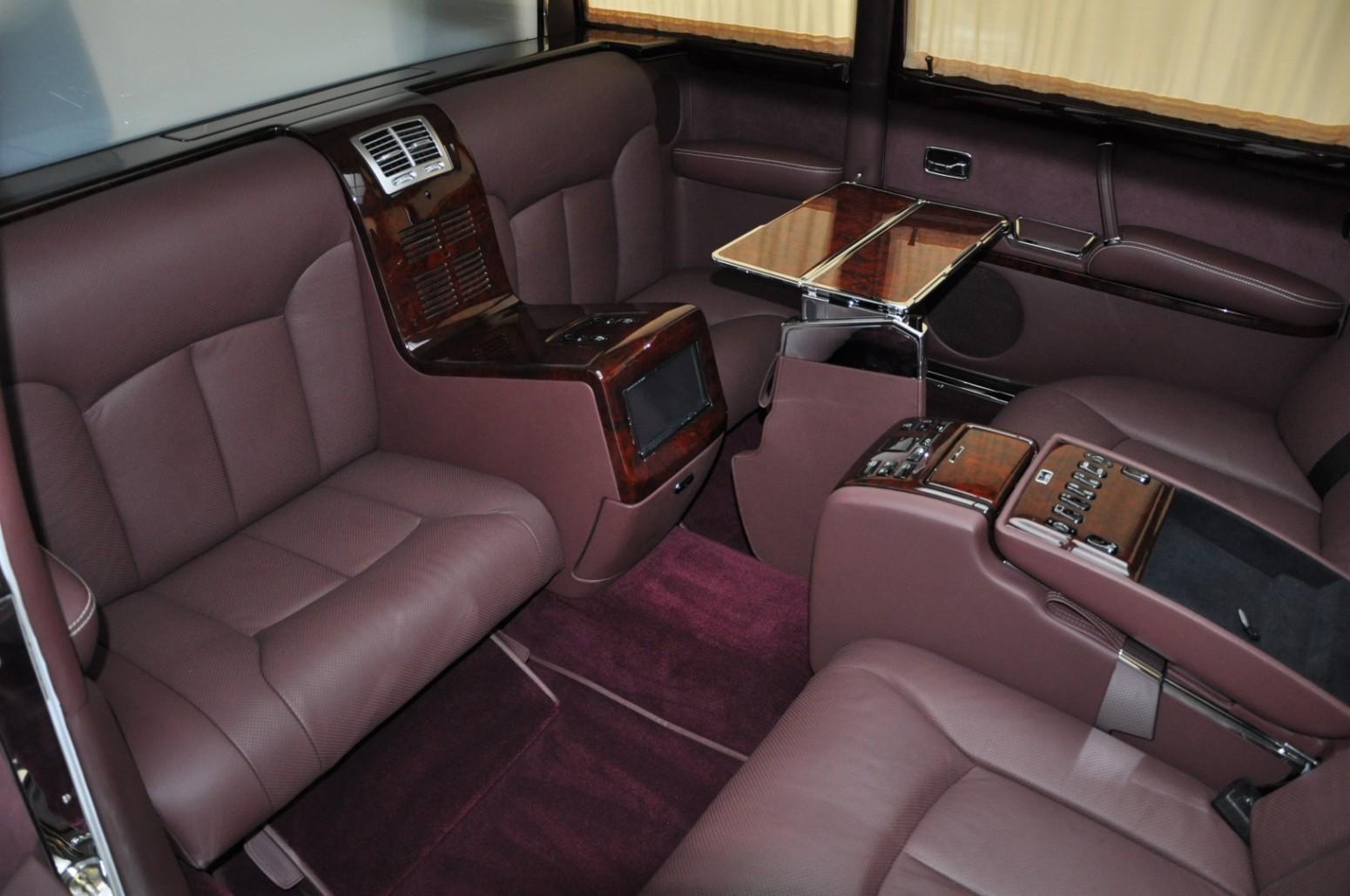 Mercedes-Benz 600 Pullman seats