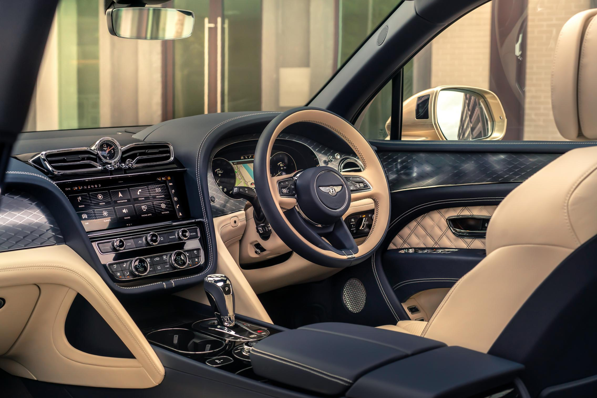 2021 Bentley Bentayga Hybrid interior
