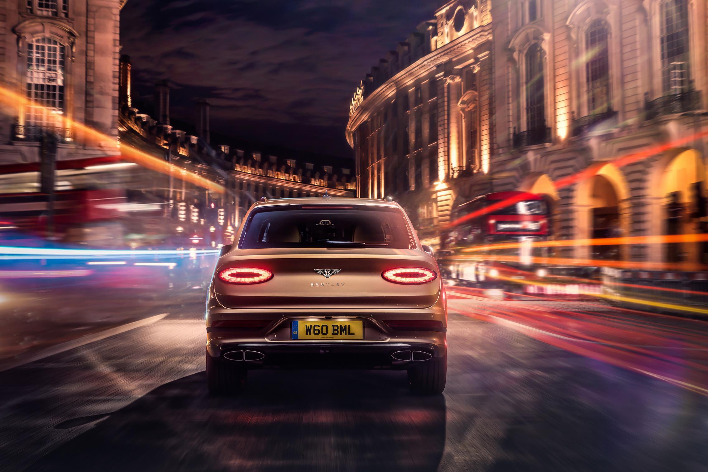 2021 Bentley Bentayga Hybrid rear