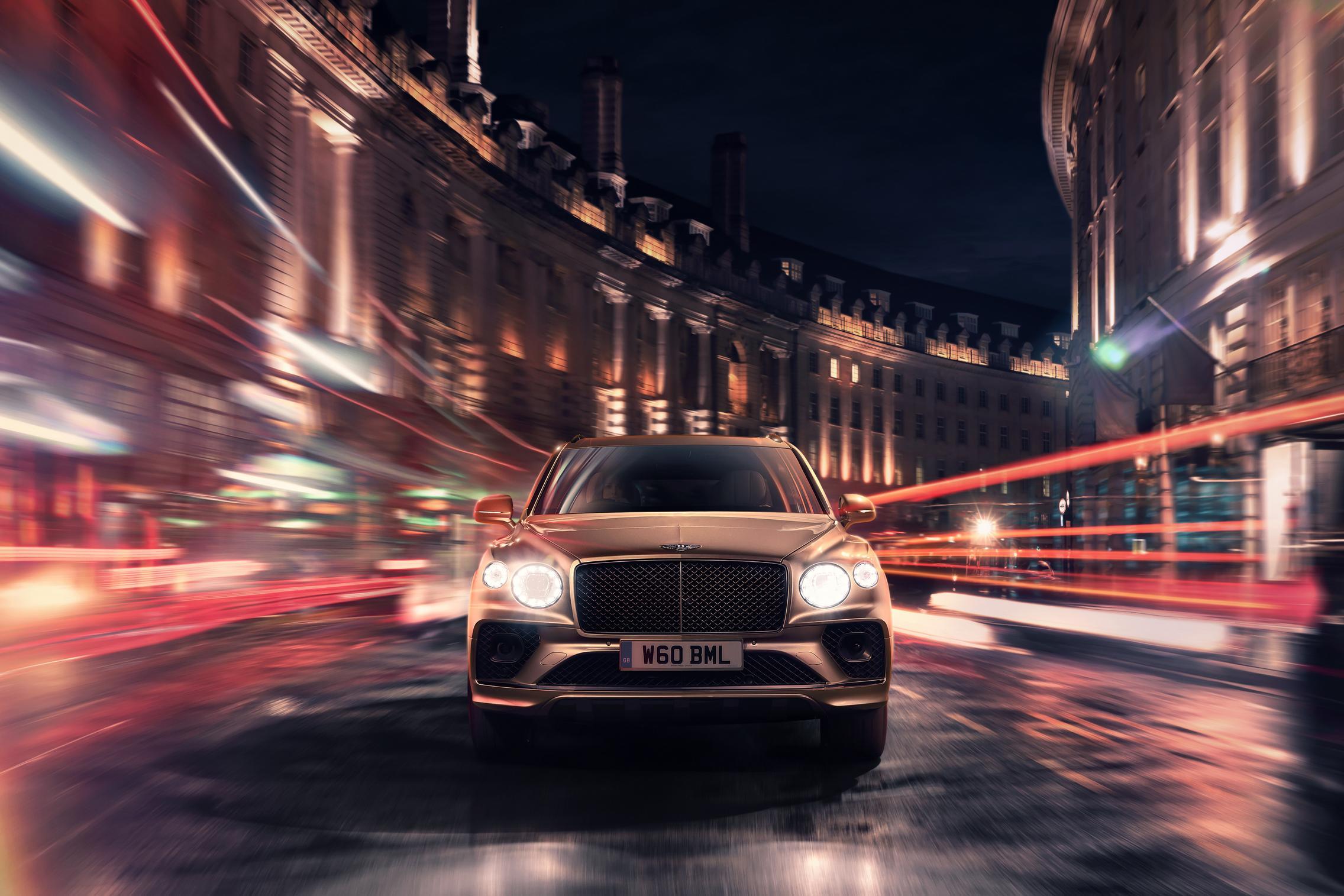 2021 Bentley Bentayga Hybrid front