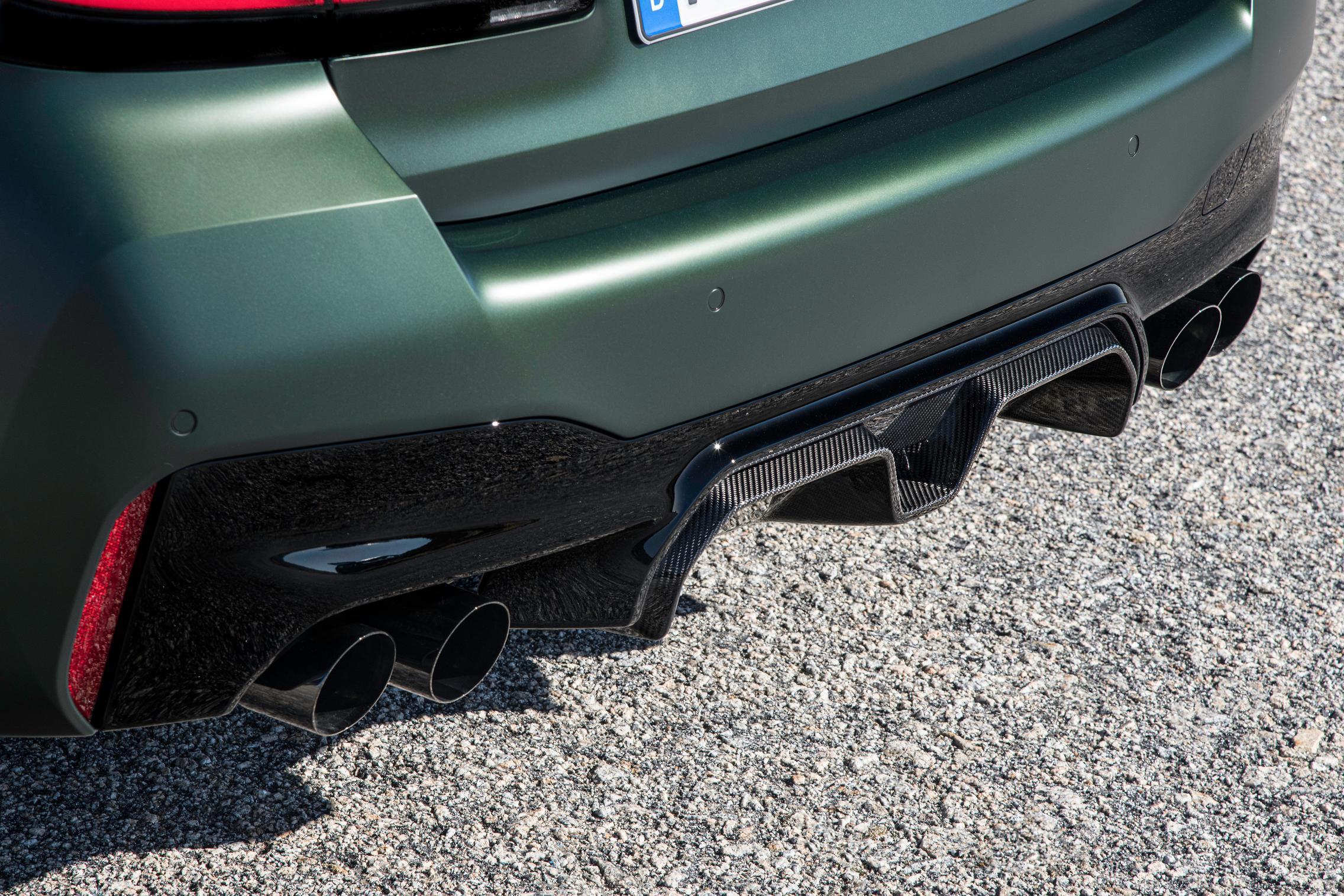 carbon rear diffuser