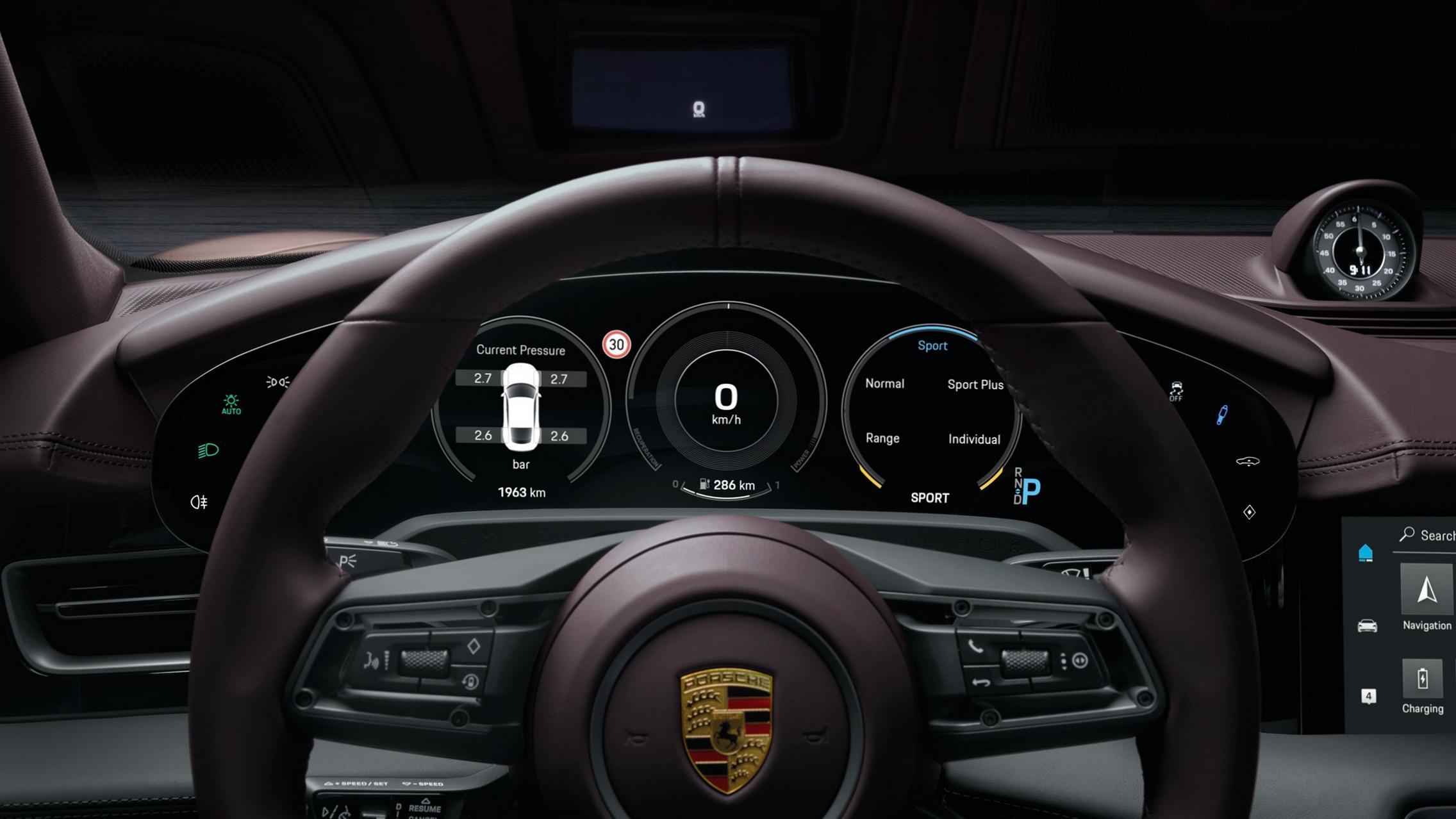 Porsche Taycan RWD steering wheel