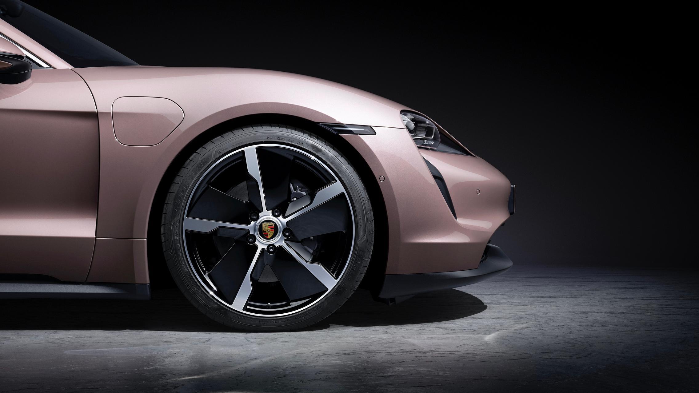 Porsche Taycan RWD wheels