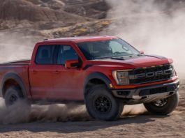 2021 Ford F-150 Raptor offroad