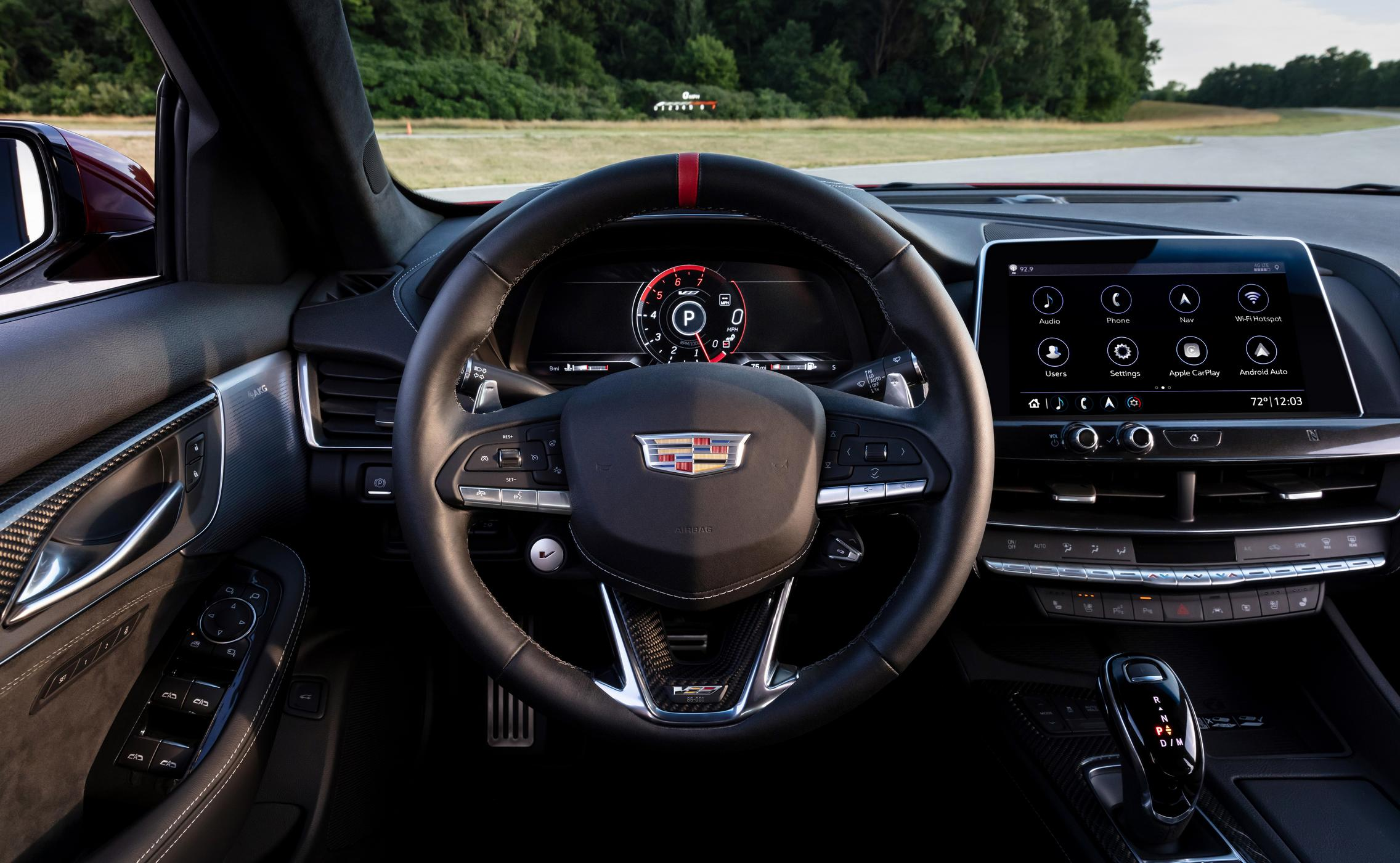 2022 Cadillac CT5-V Blackwing steering wheel