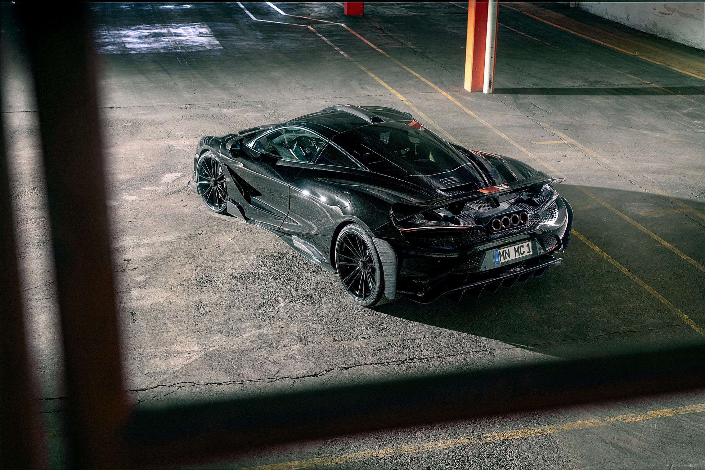Black McLaren 765LT