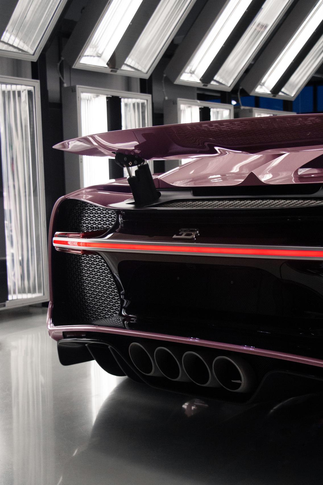 Bugatti Chiron Sport tail light