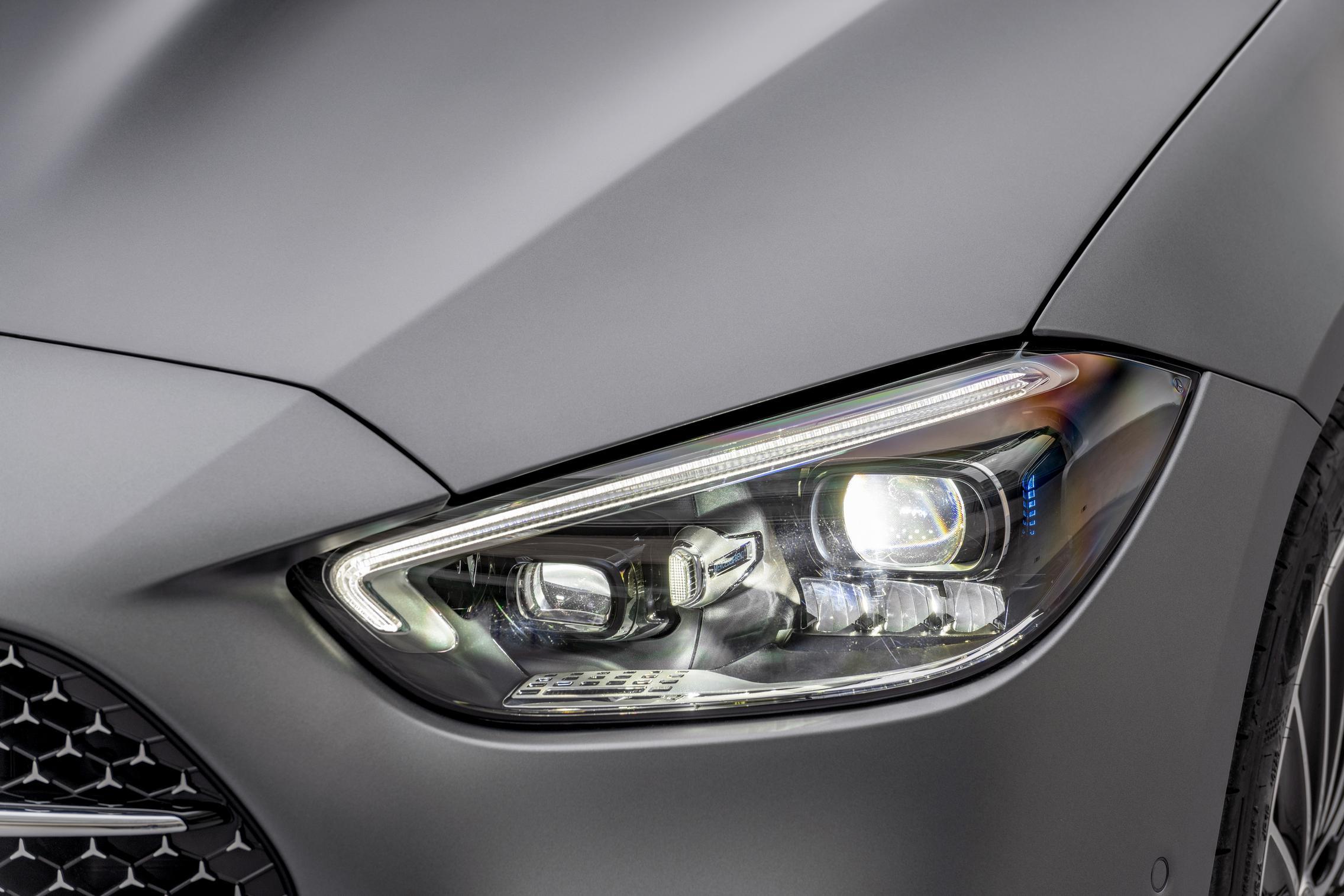 New-W206-C-Class-headlight