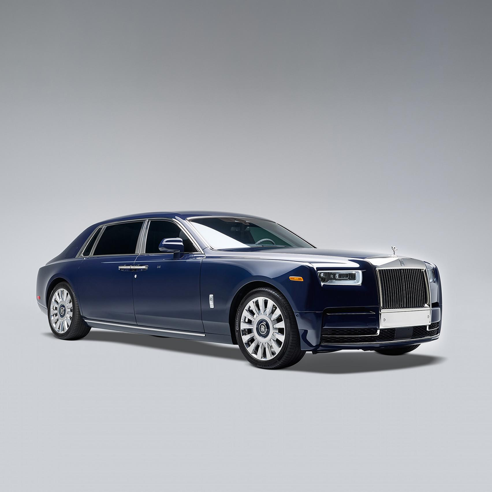 Rolls-Royce Phantom blue