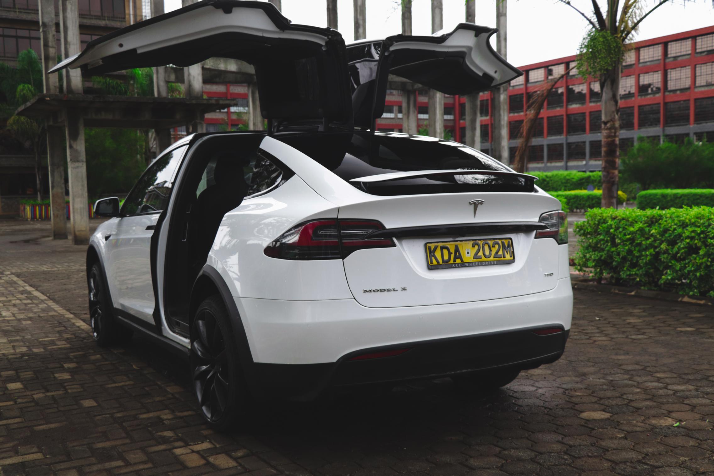 Telsa Model X white