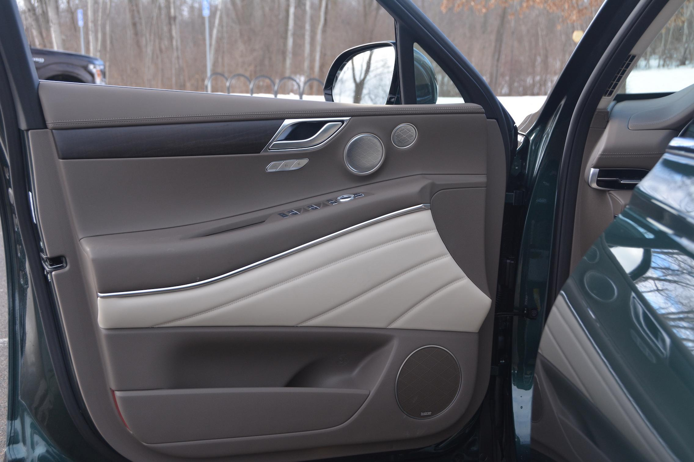 2021 Genesis GV80 door