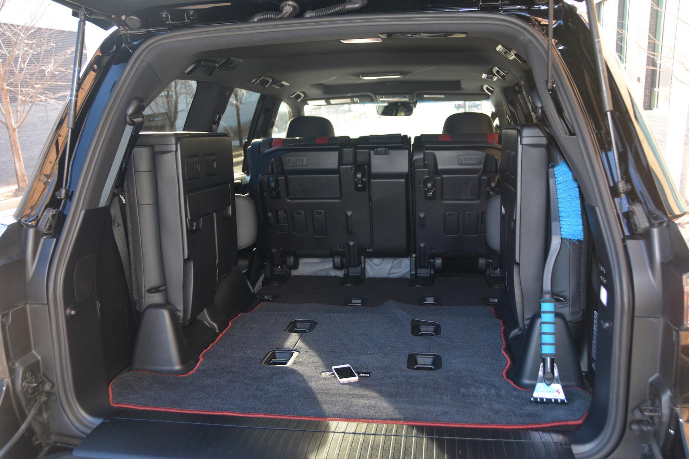 2021 Lexus LX570 boot