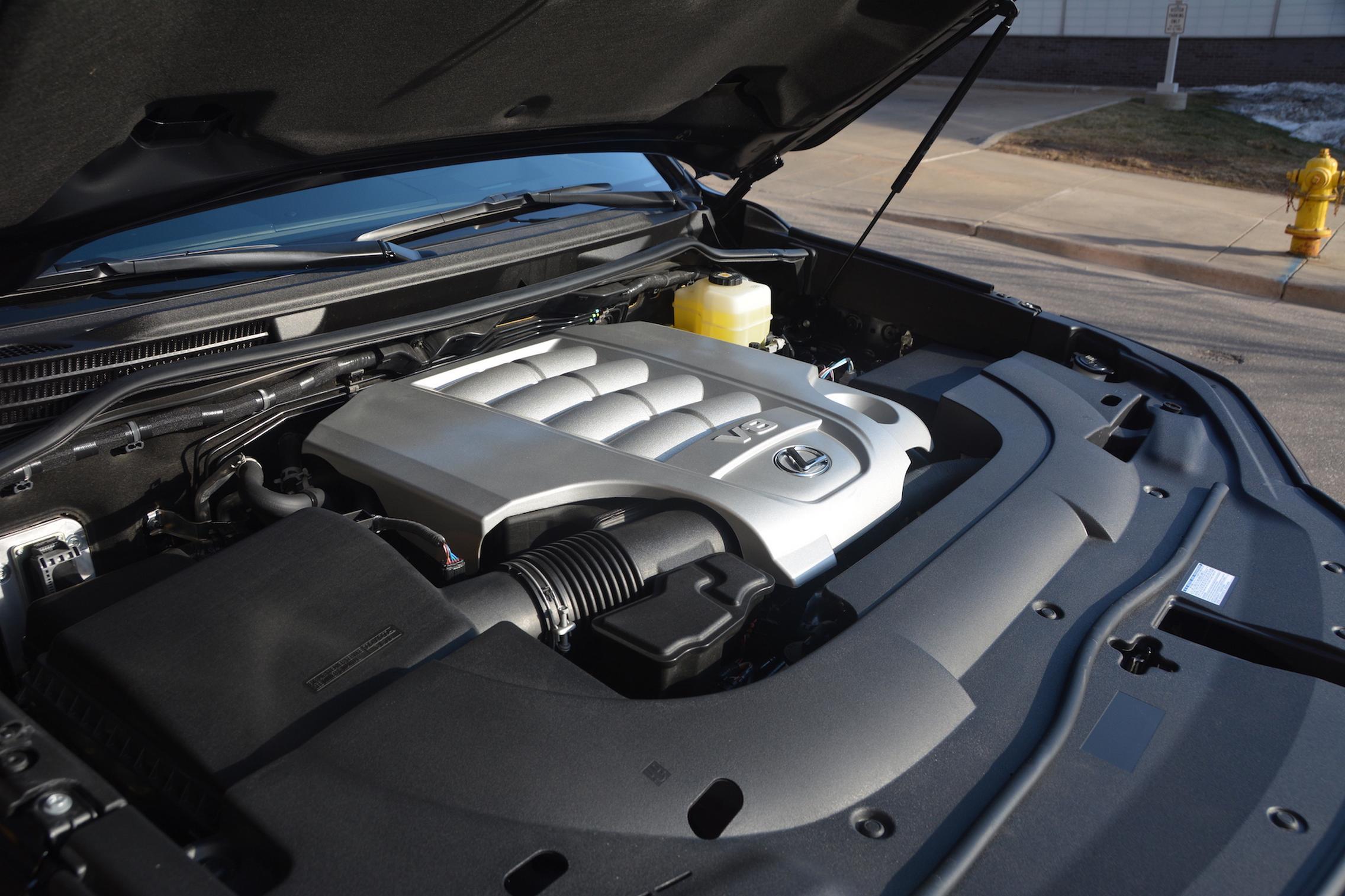 2021 Lexus LX570 engine