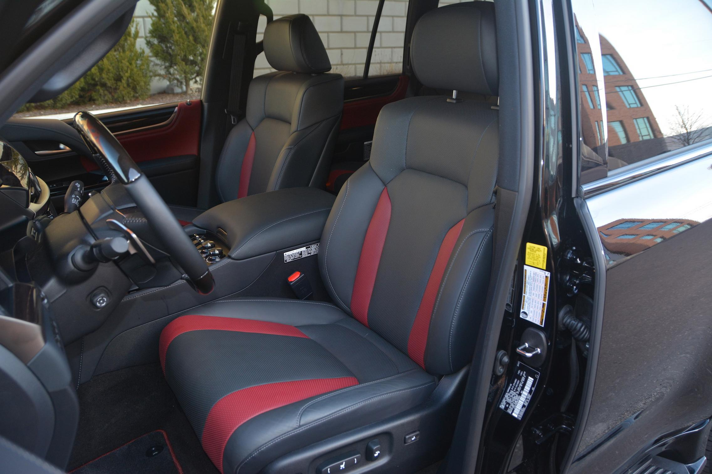 2021 Lexus LX570 seats