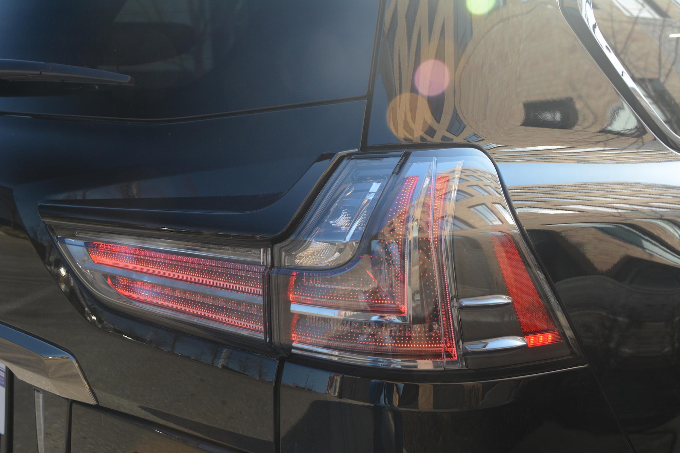 2021 Lexus LX570 taillight