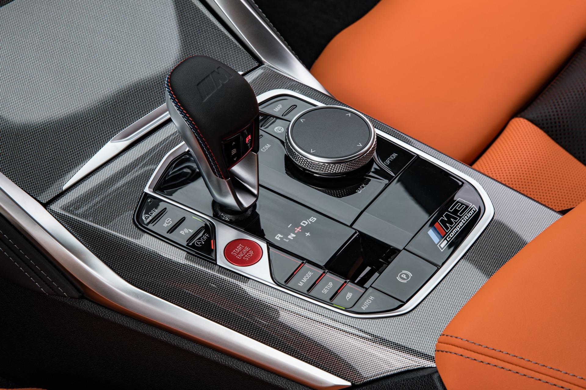 2022 BMW M3 gear lever