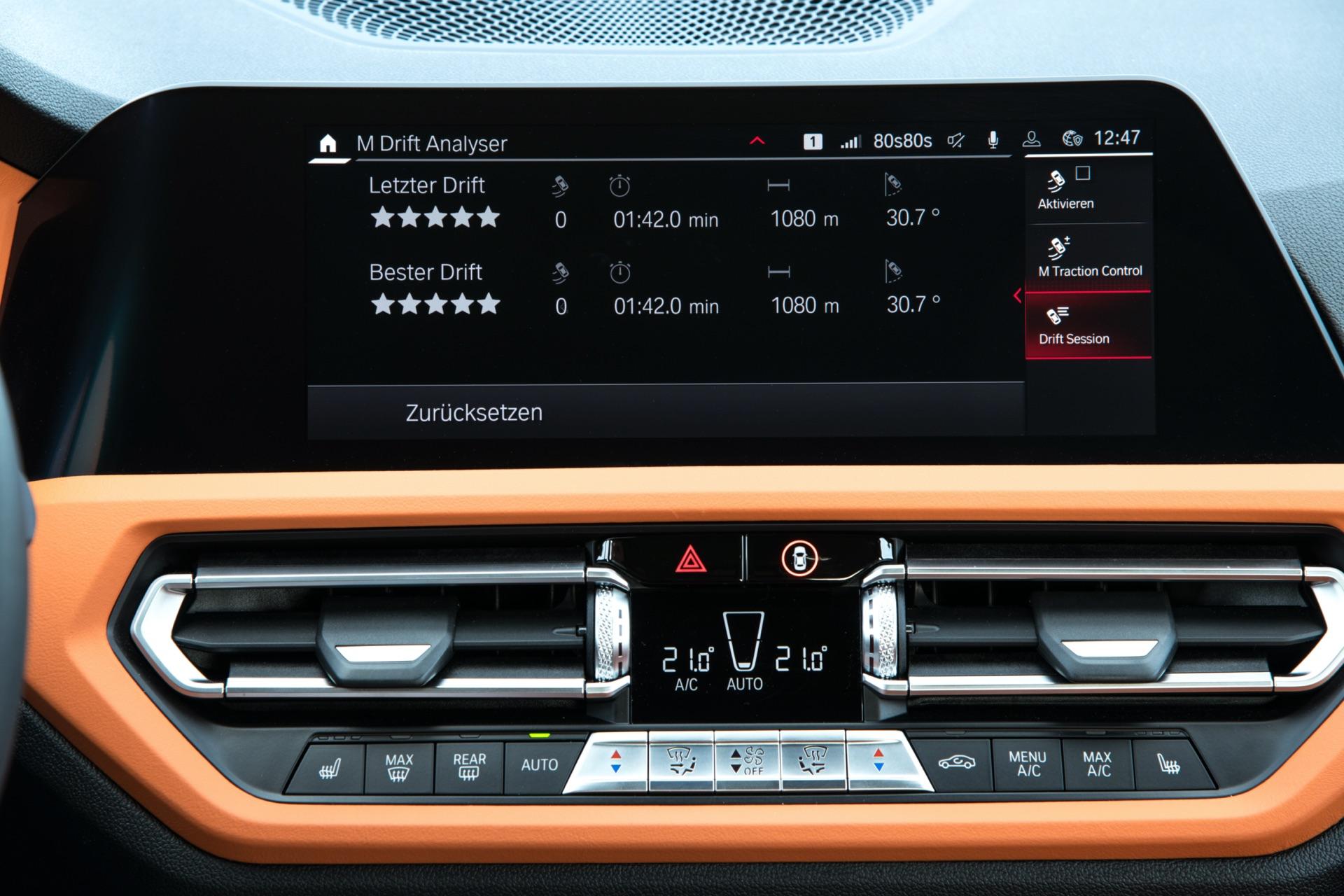 2022 BMW M3 screen