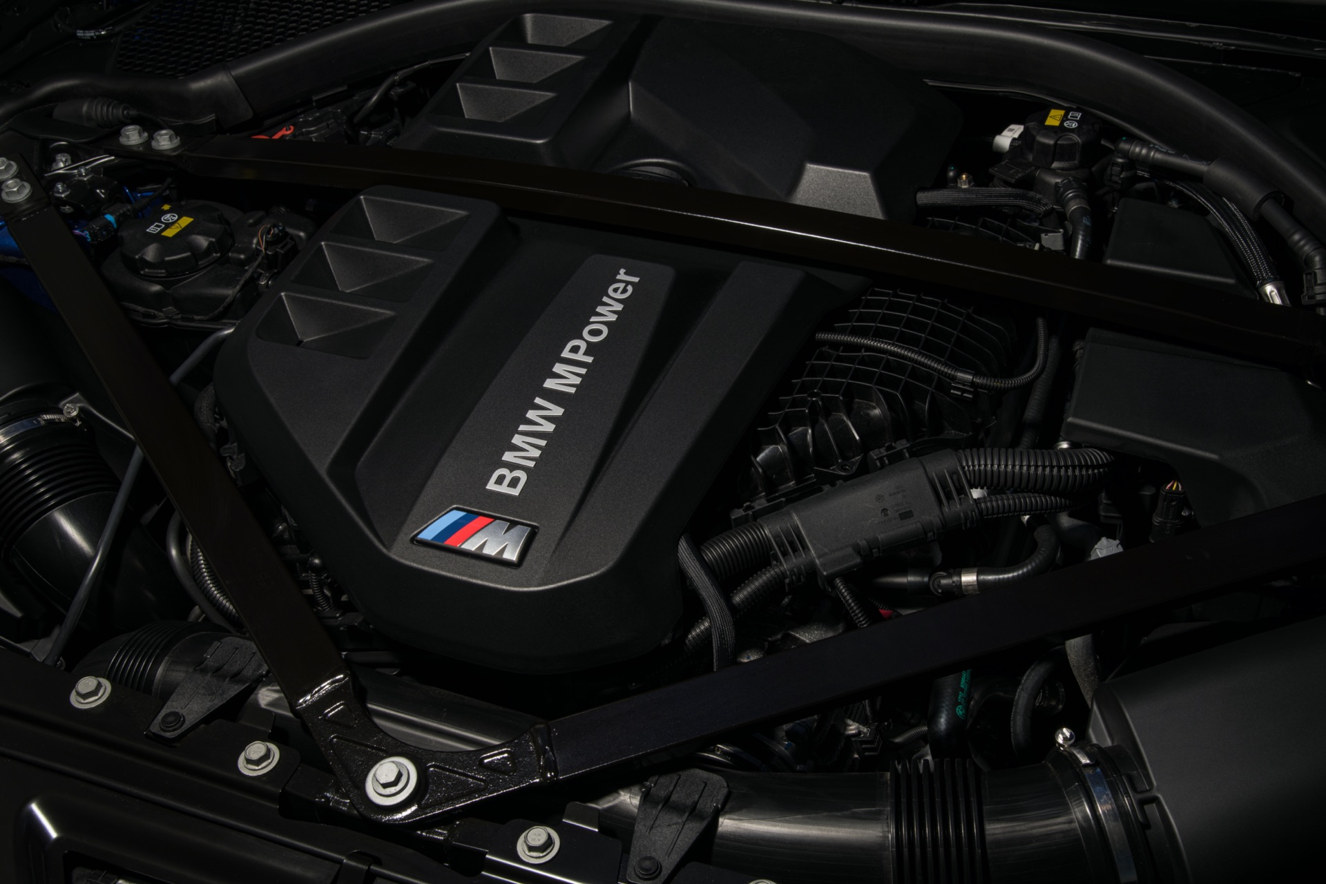 2022 BMW M3 engine
