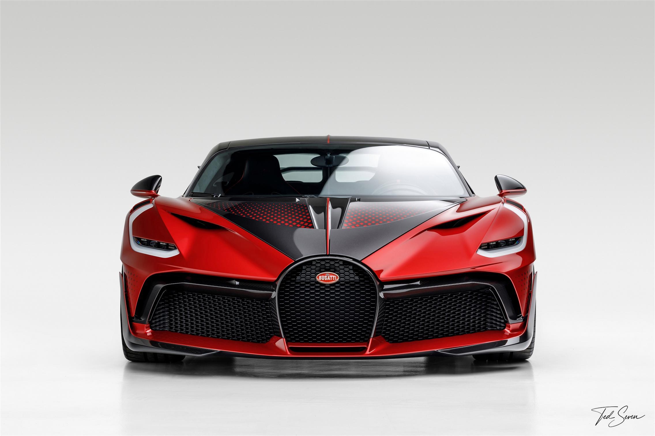 Bugatti Divo Lady Bug front