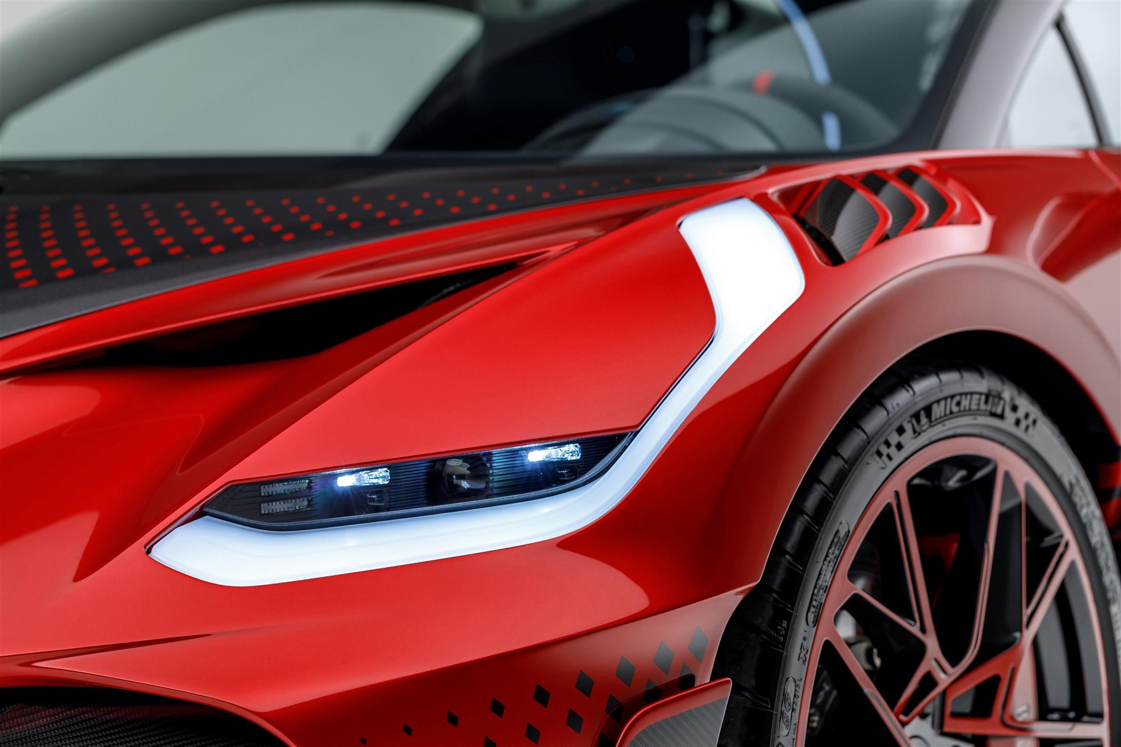 Bugatti Divo Lady Bug headlight
