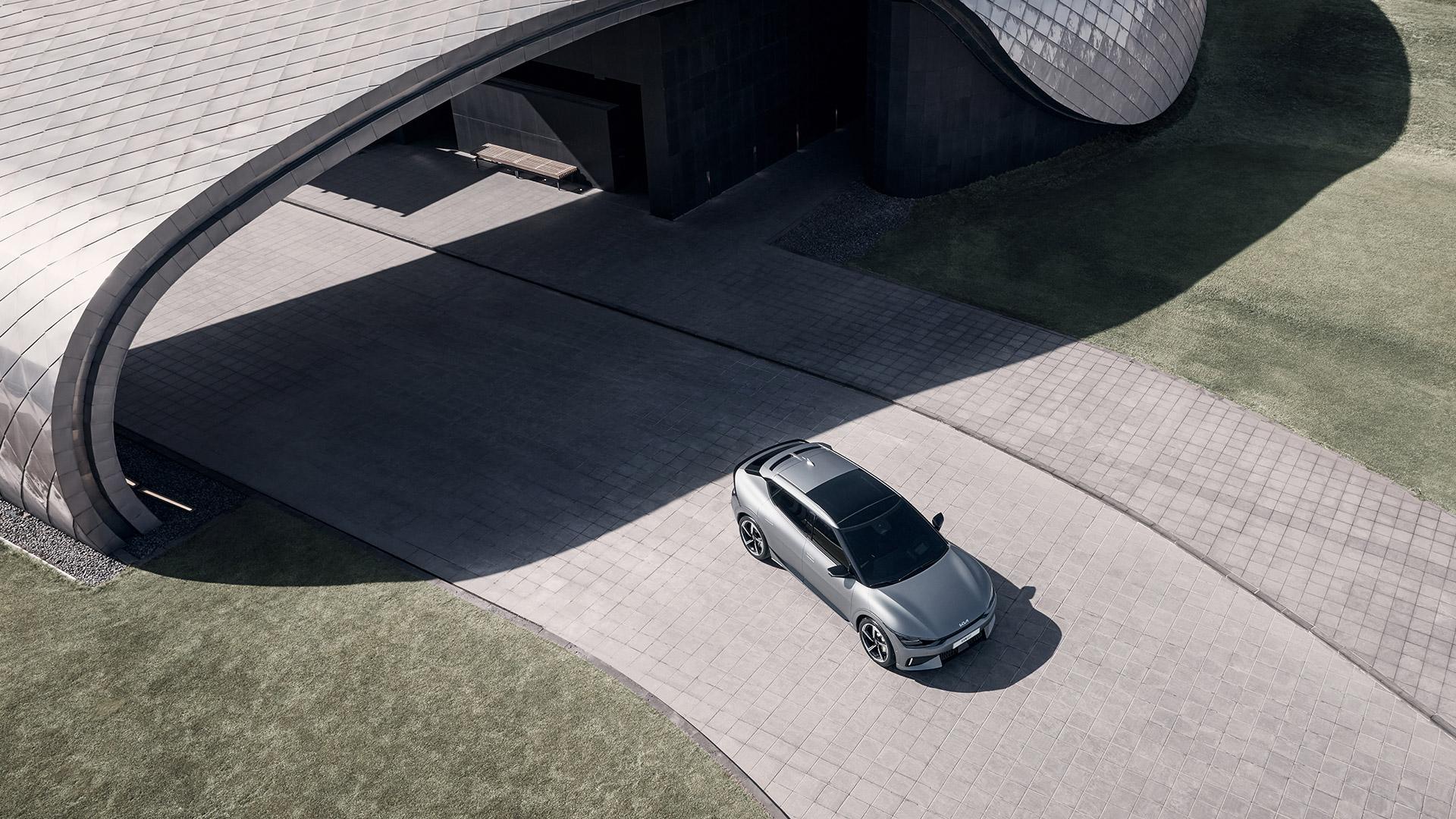 KIA EV6 GT top