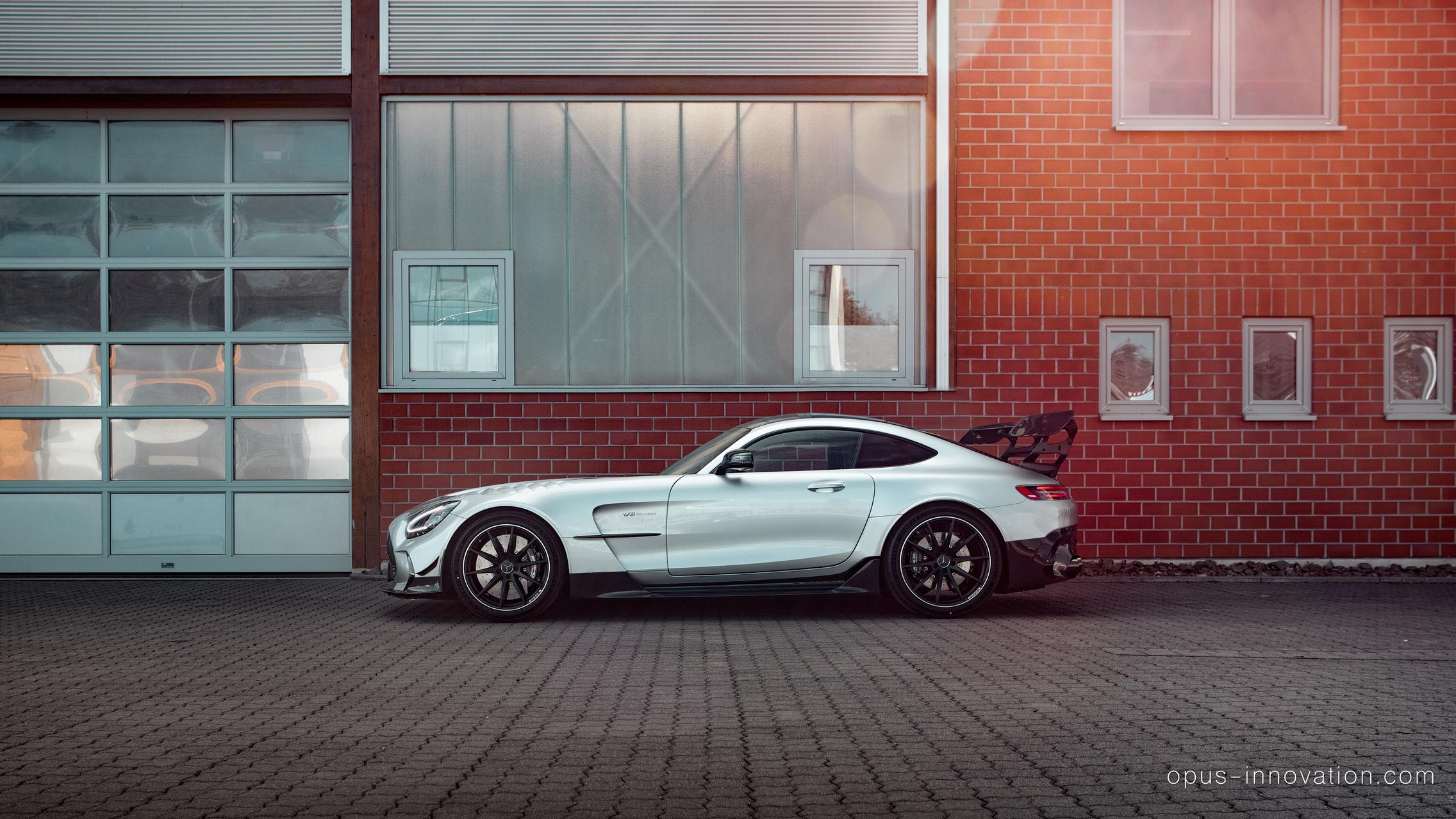 Mercedes-AMG GT Black Series side