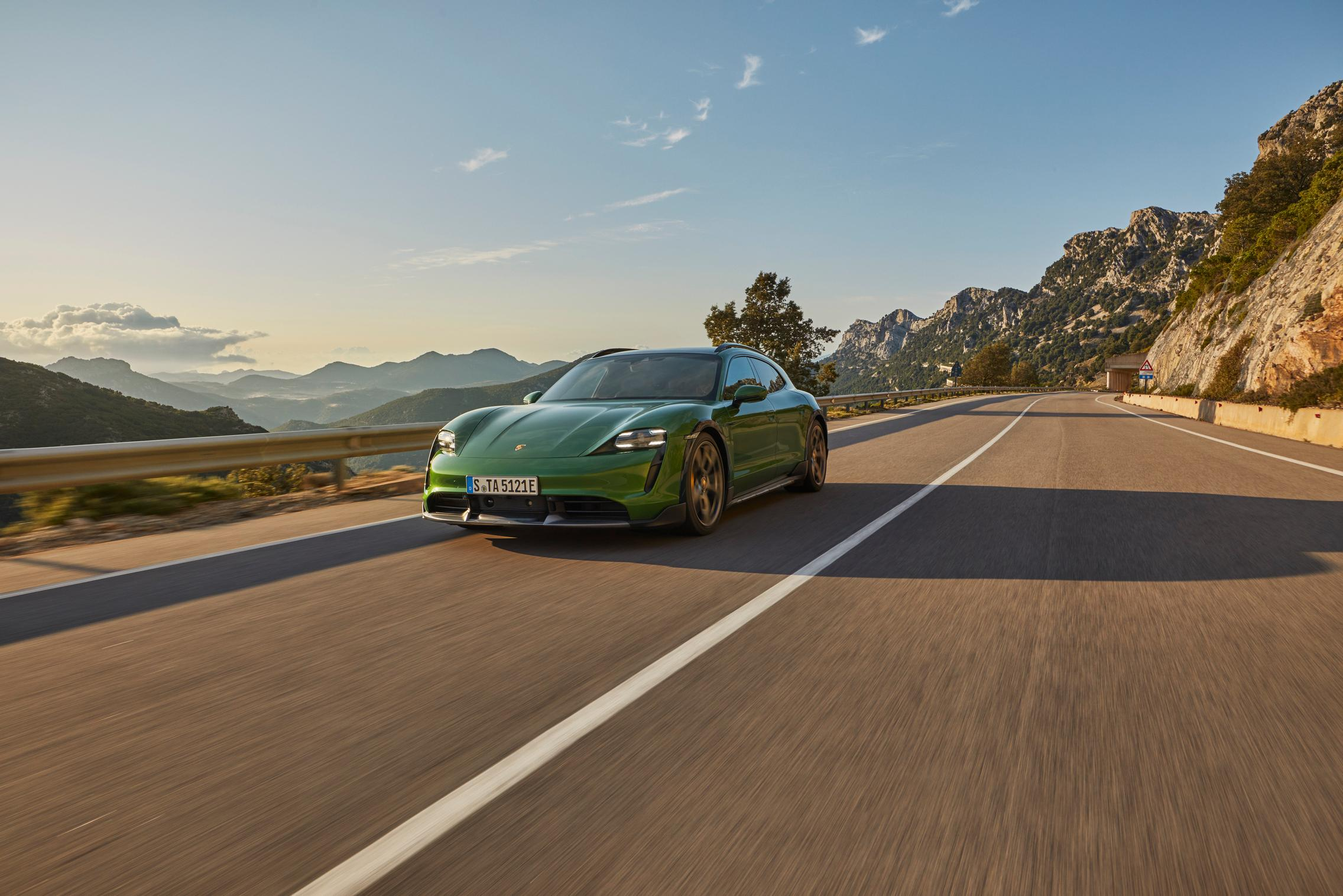 Porsche Taycan Cross Turismo green