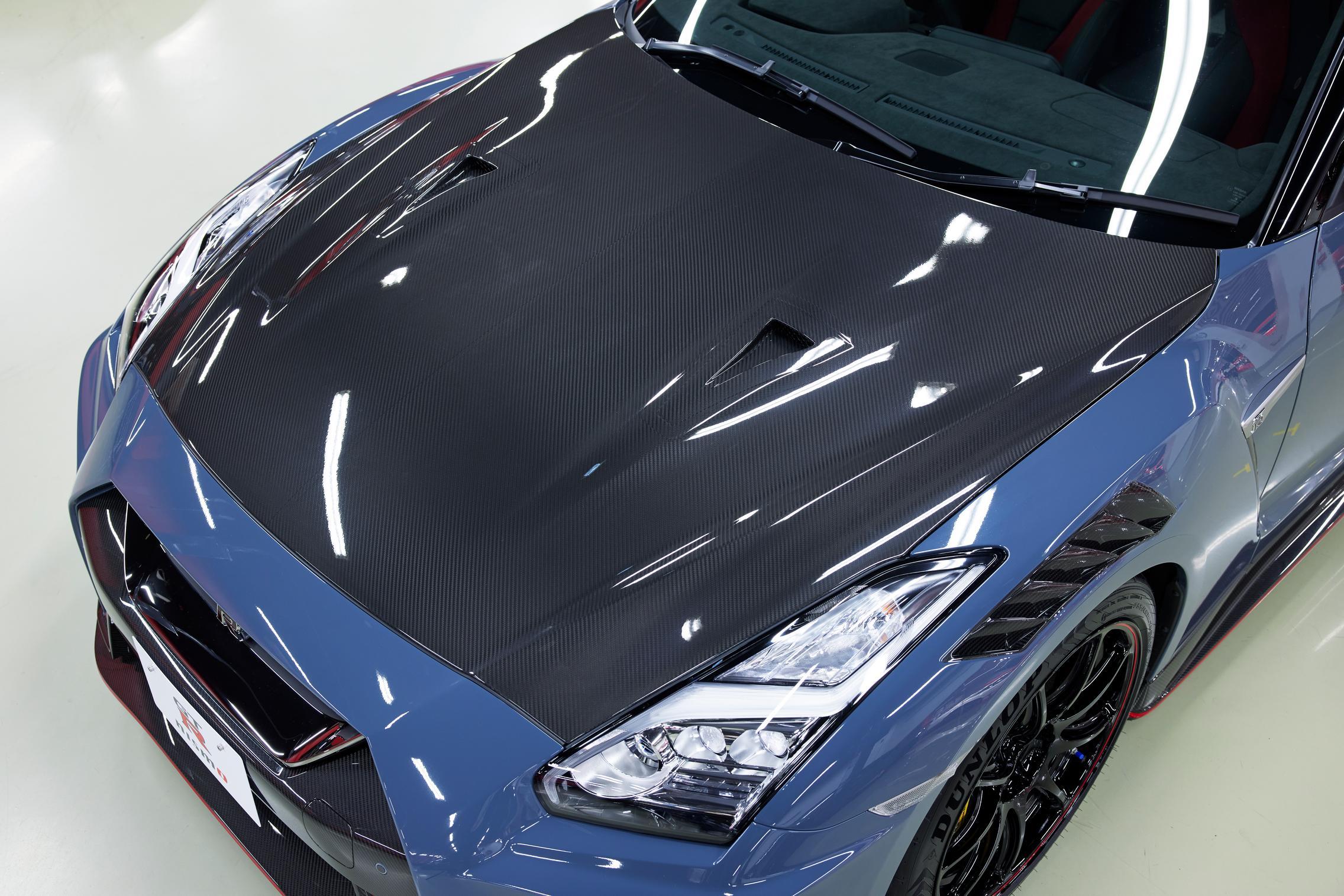2022 Nissan GT-R Nismo carbon hood