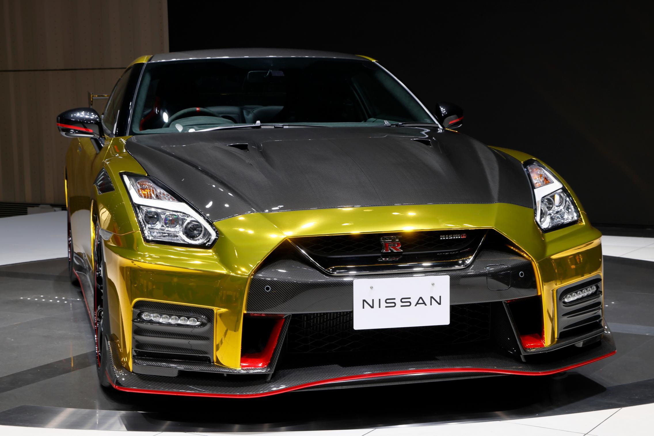 2022 Nissan GT-R Nismo gold