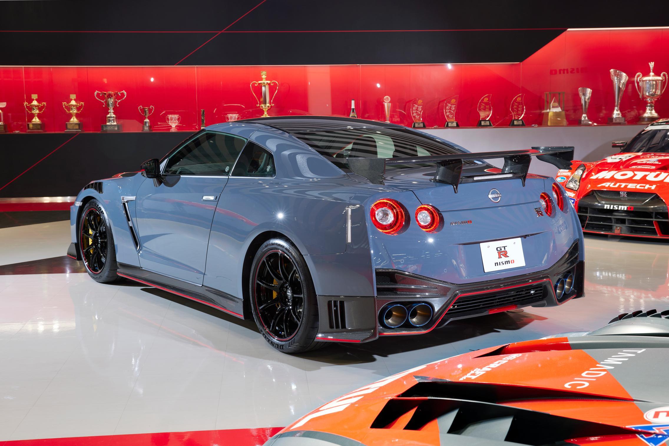 2022 Nissan GT-R Nismo rear