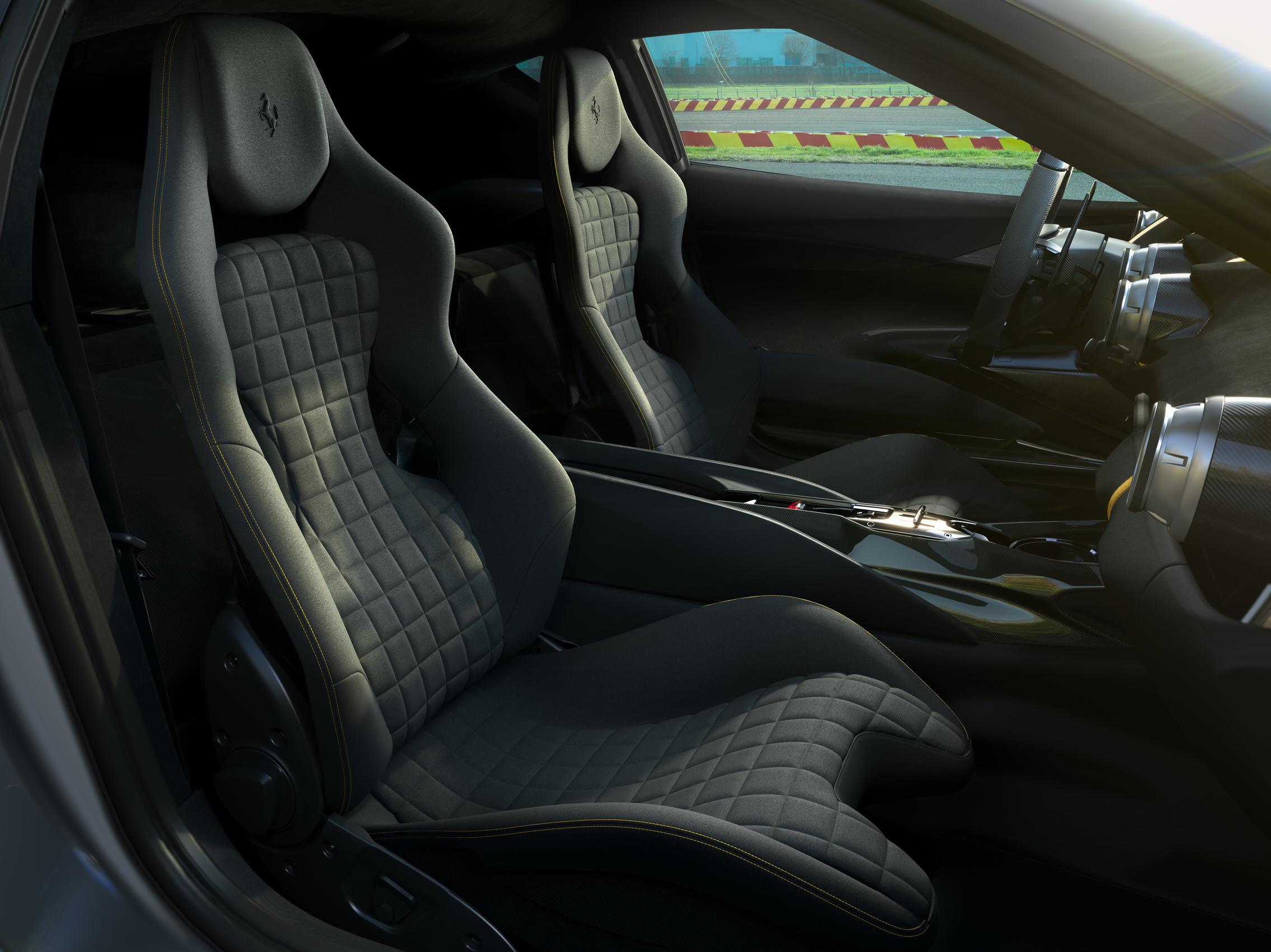 Ferrari 812 VS interior