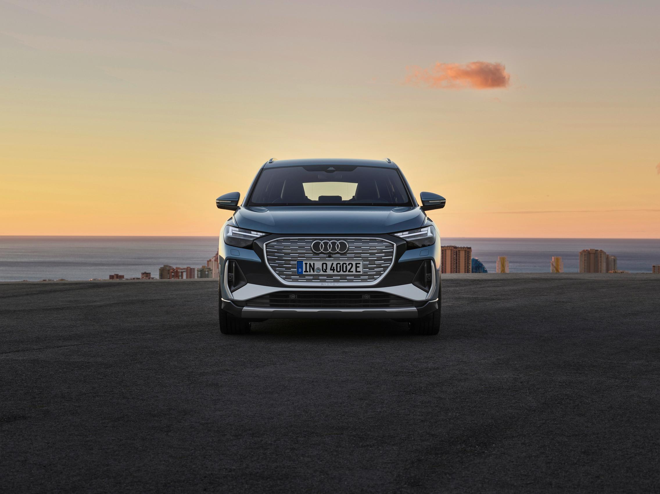 Audi Q4 50 e-tron headlights