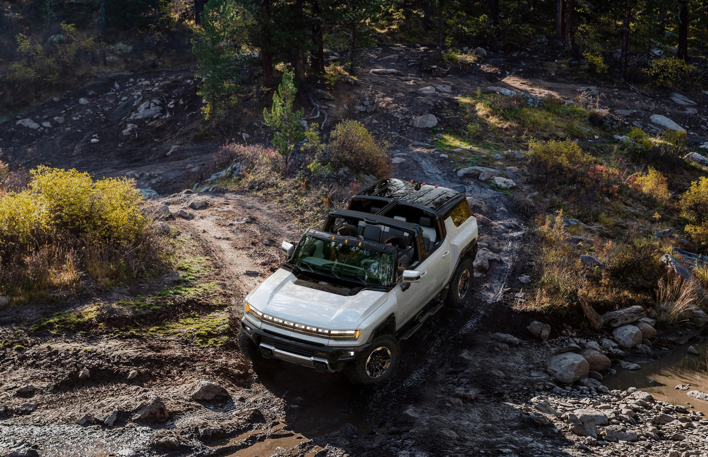 Hummer EV SUV top off