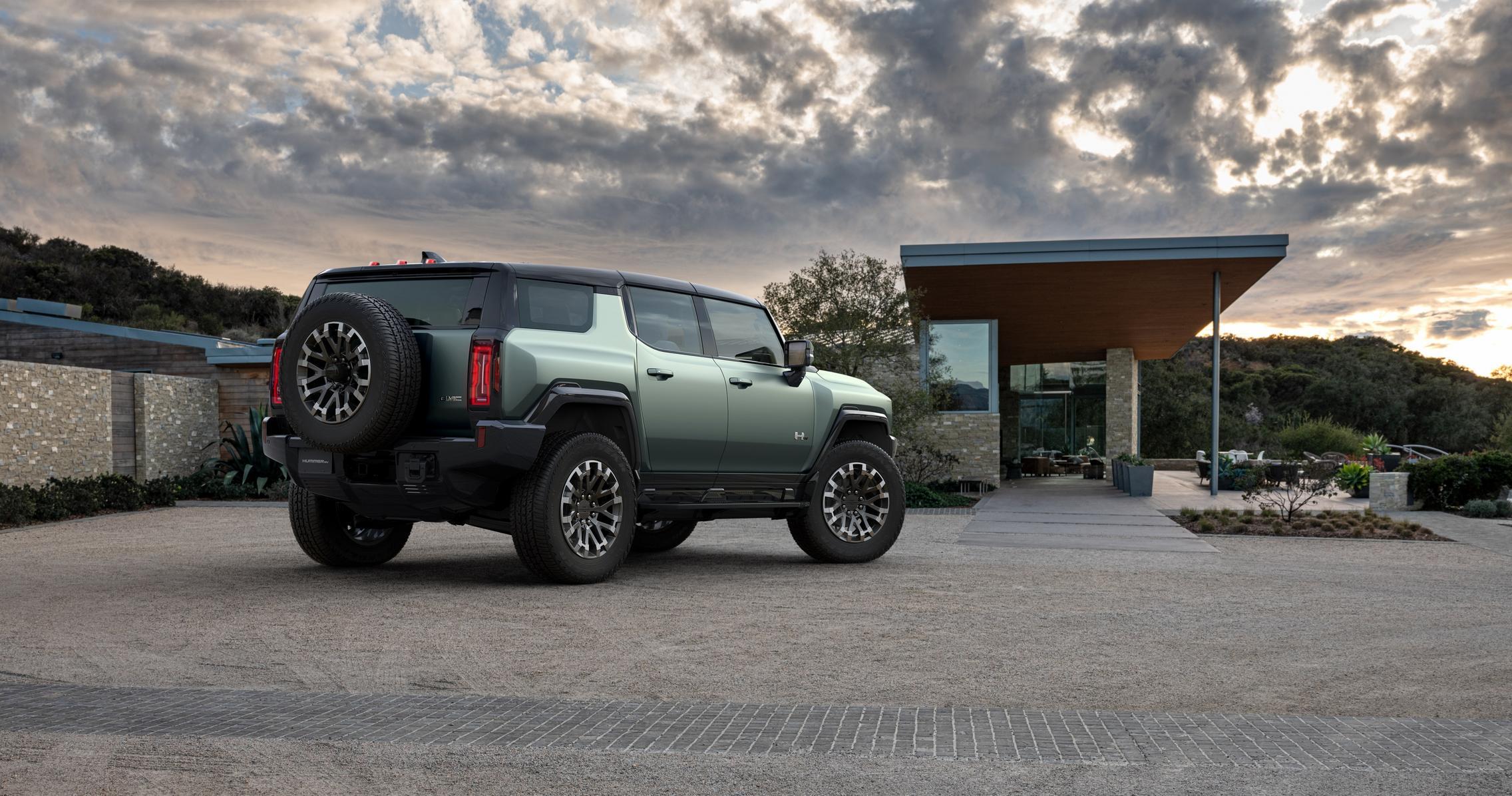 Hummer EV SUV wheels