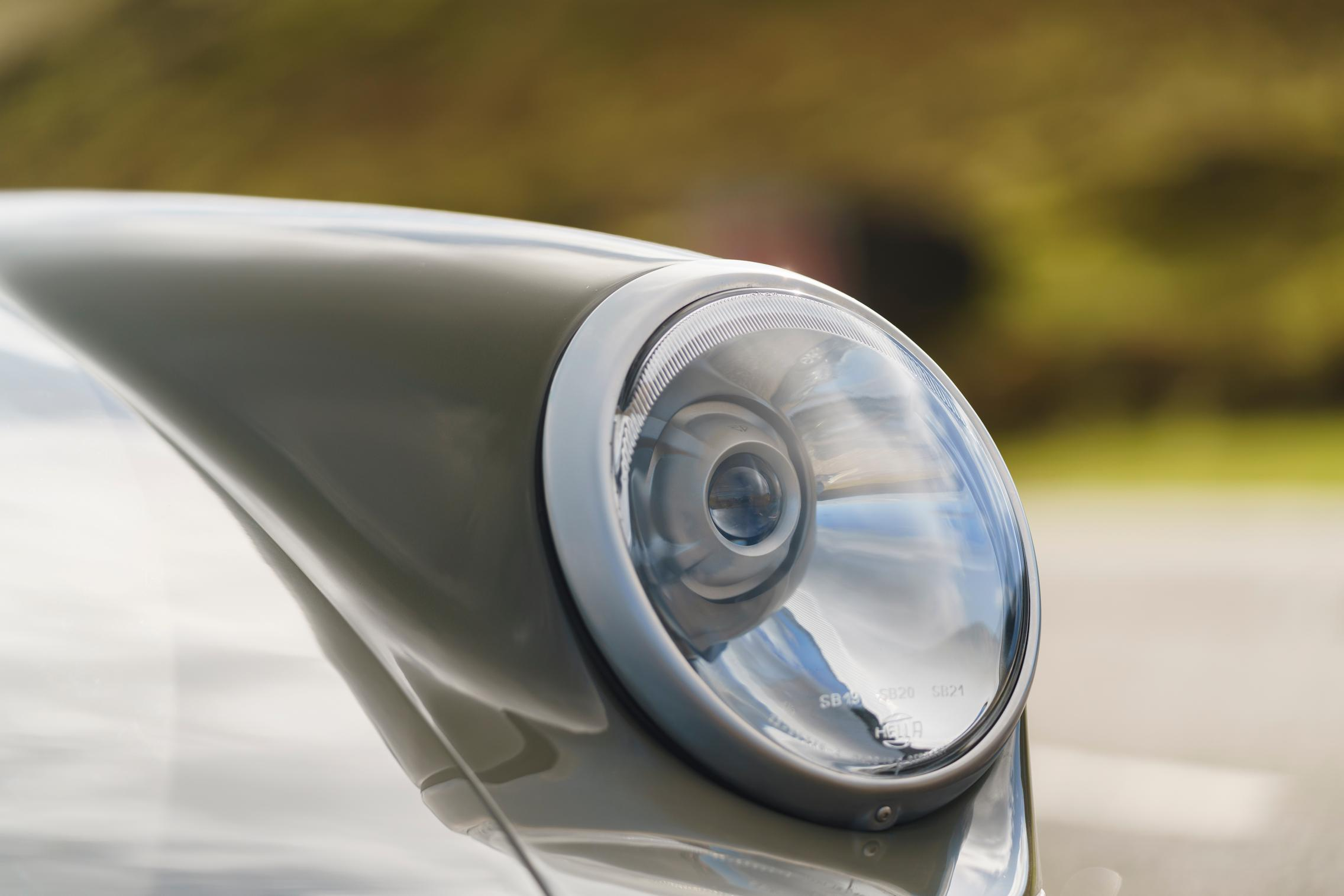 Porsche 964 headlight