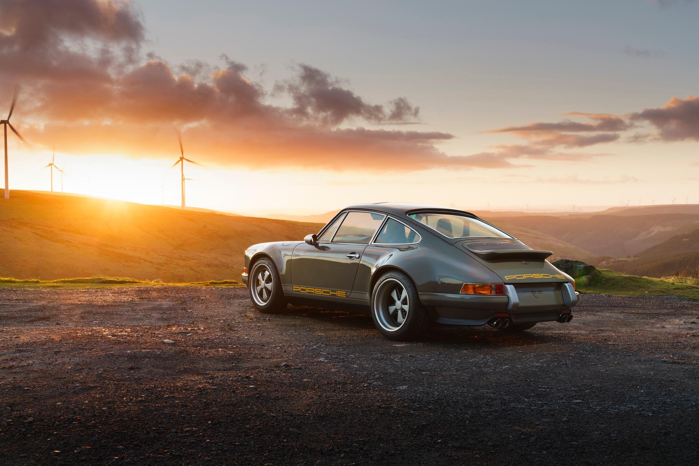 Porsche 964 rear
