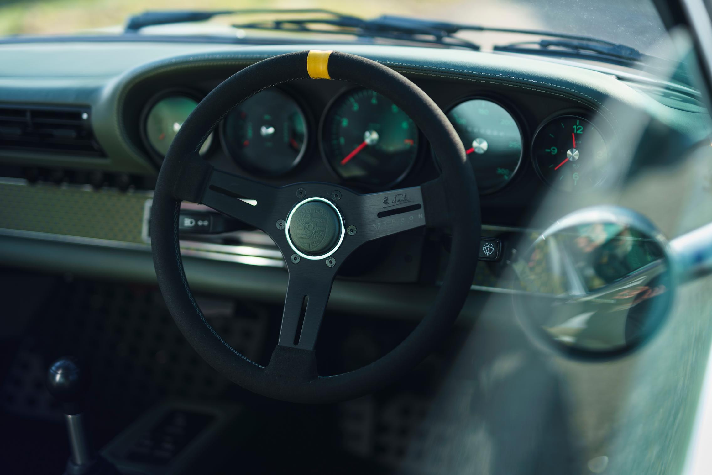 Porsche 964 steering wheel