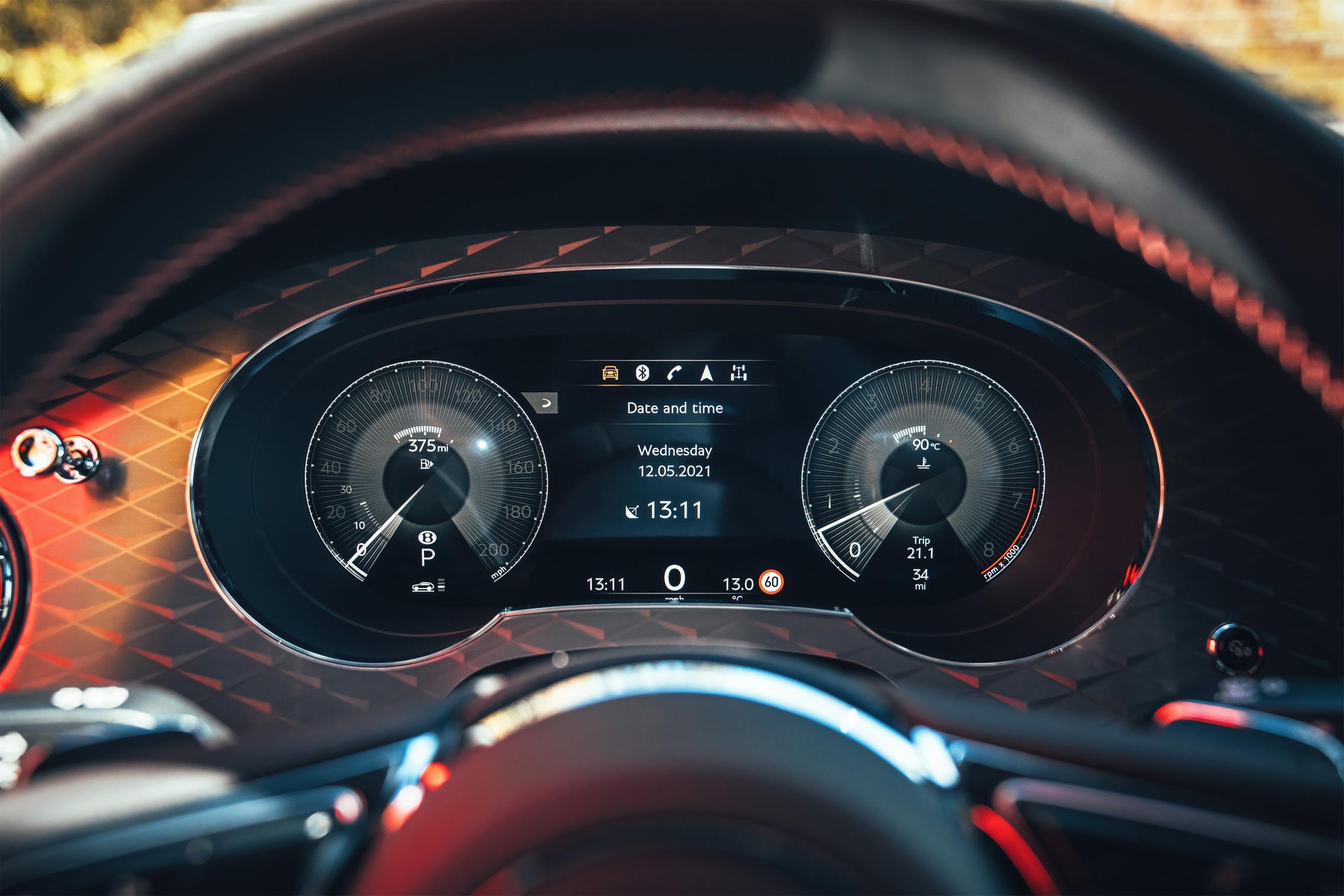 2021 Bentley Bentayga S speedo