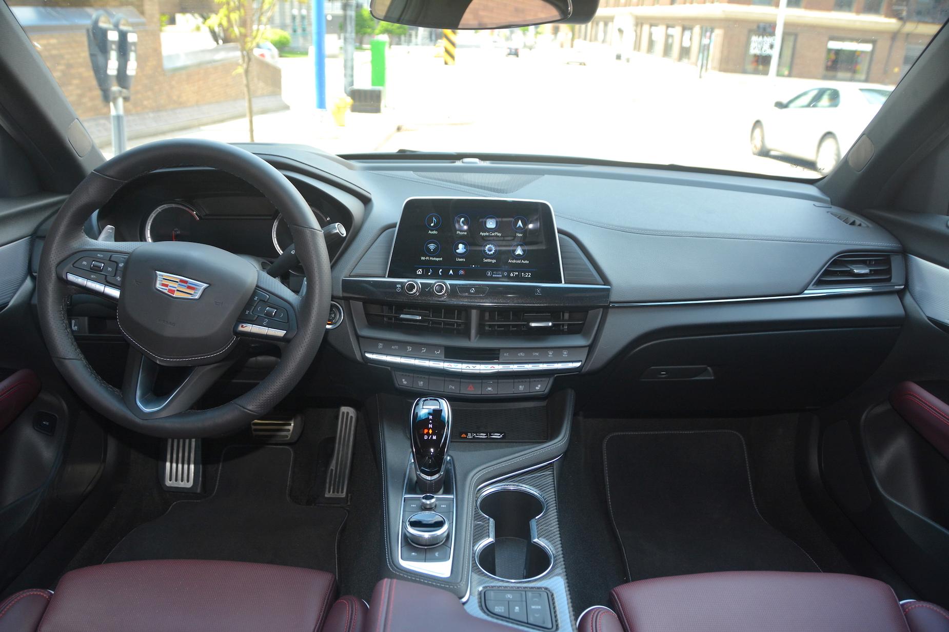 2021 Cadillac CT4-V cabin