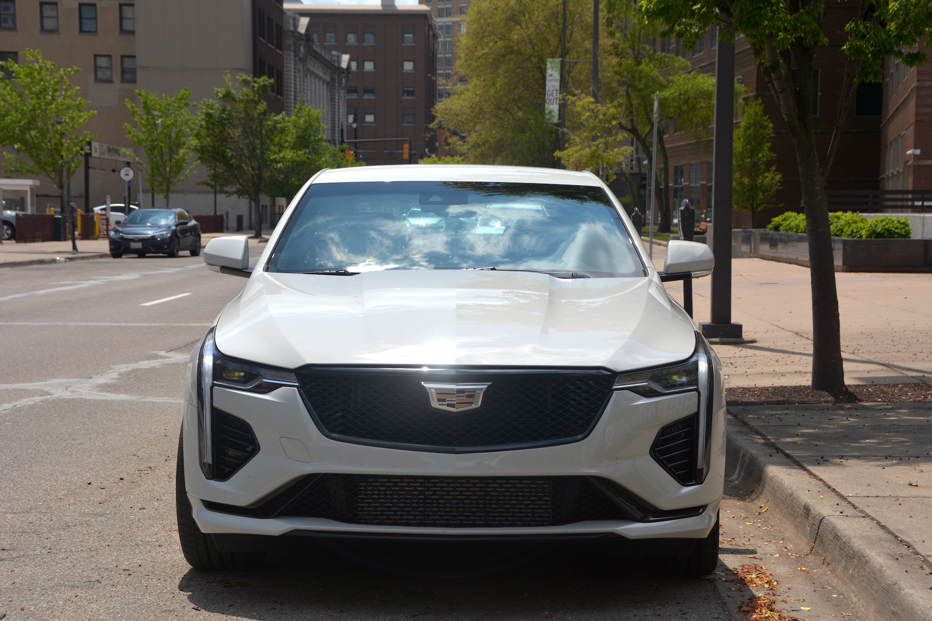 2021 Cadillac CT4-V front