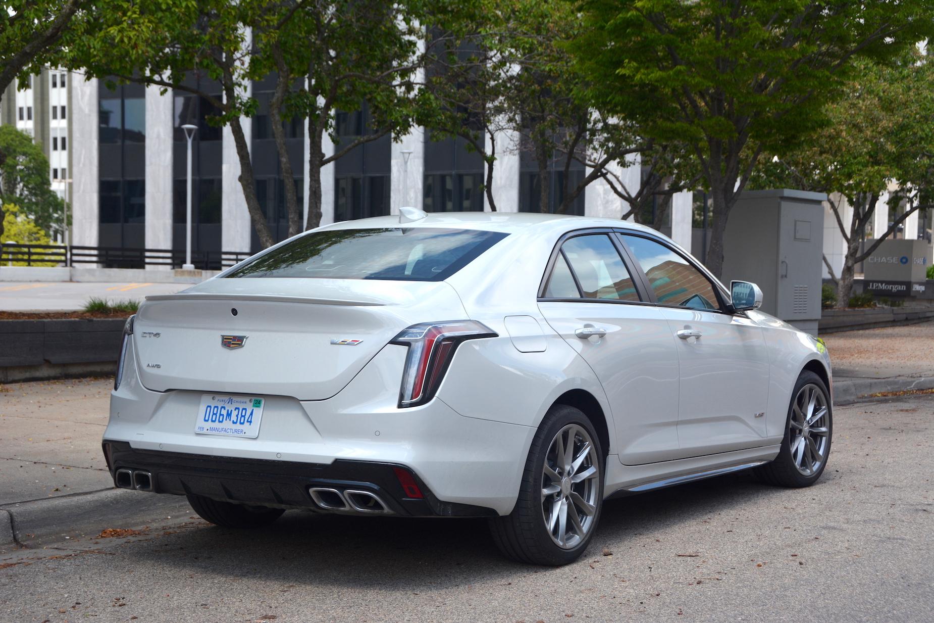 2021 Cadillac CT4-V specs