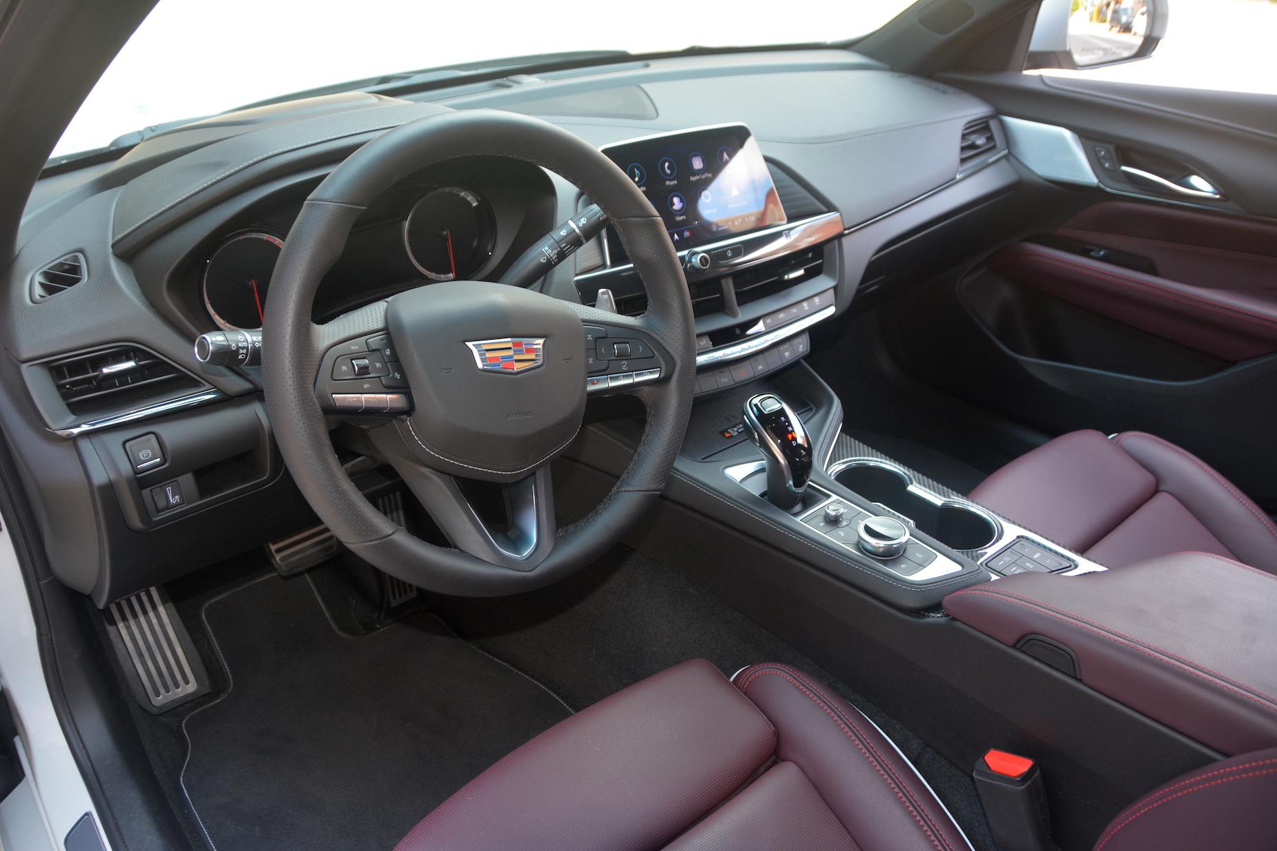2021 Cadillac CT4-V steering wheel
