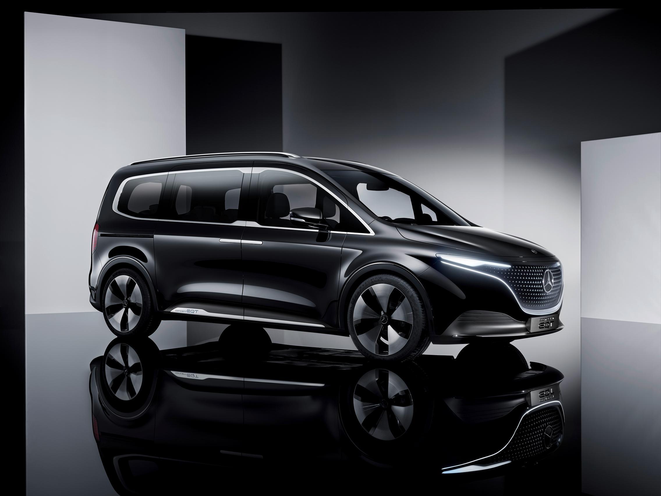 2022 Mercedes-Benz EQT side