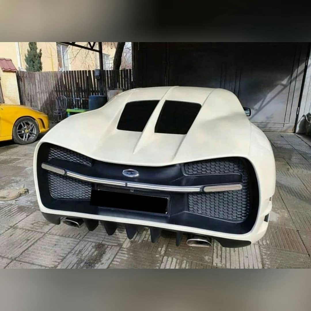 Bugatti Chiron Replica rear