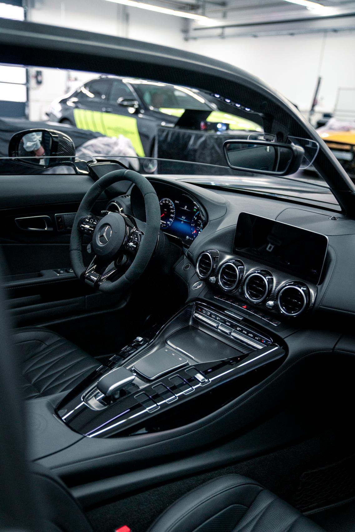 Bussink GT R Speedster interior