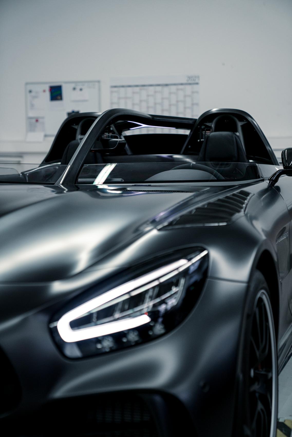 GT R headlight