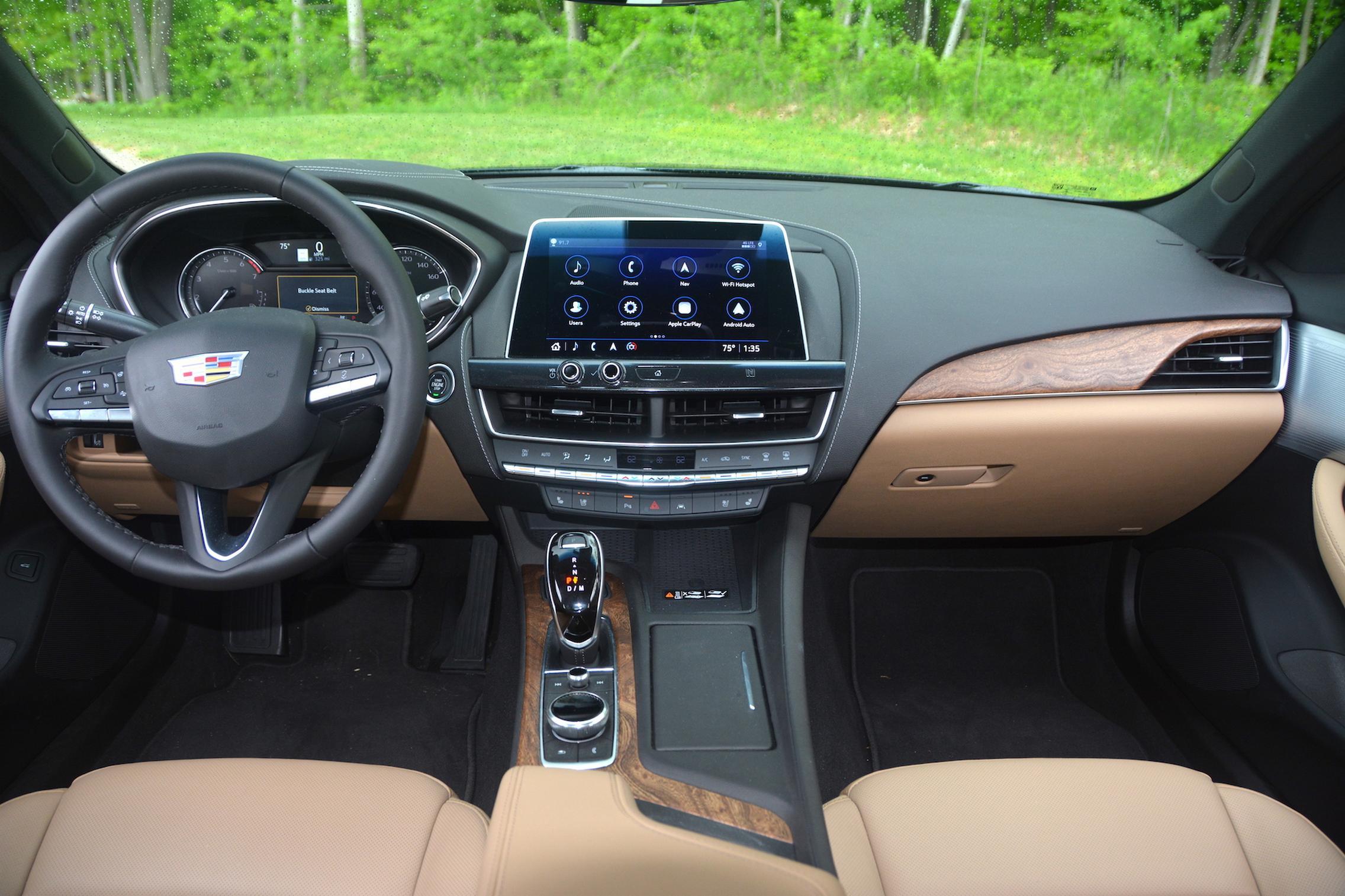 2021 Cadillac CT5 dashboard