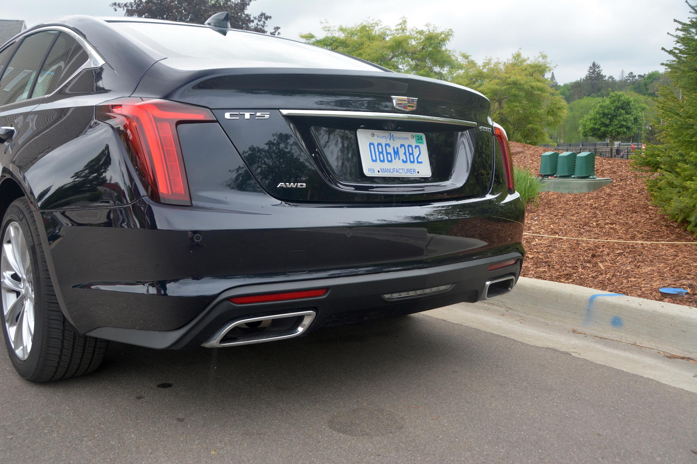 2021 Cadillac CT5 exhaust