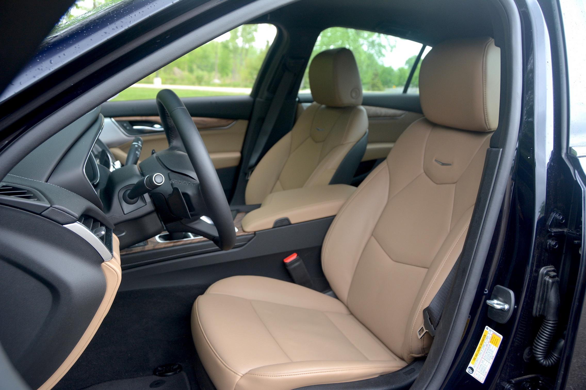 2021 Cadillac CT5 seats