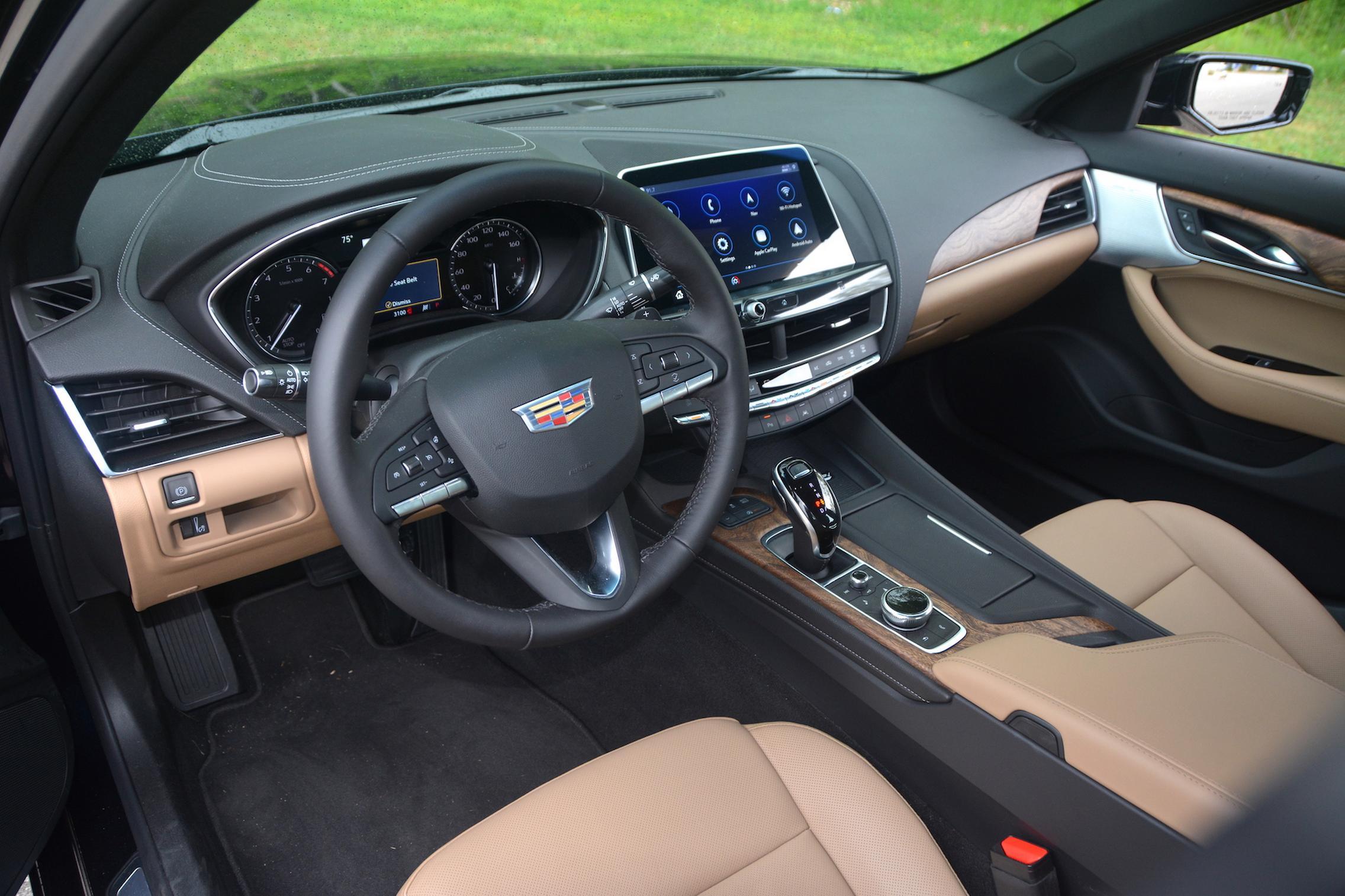 2021 Cadillac CT5 steering wheel